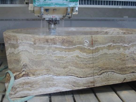 Изготовление ванны из цельного блока мрамора