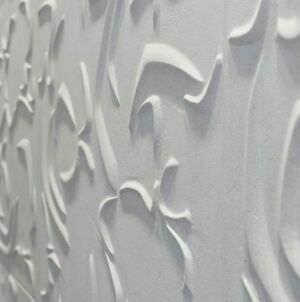 объемная плитка из белого мрамора