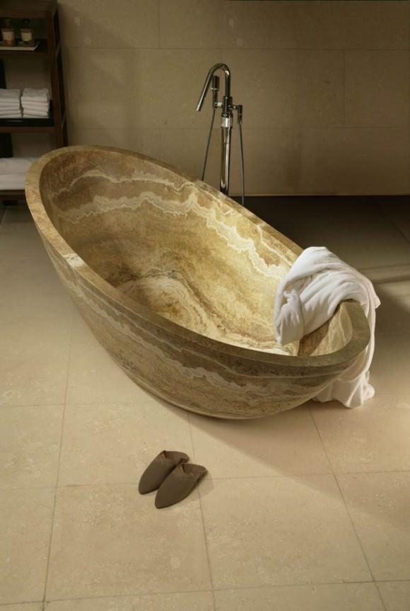 Ванна из травертина готова