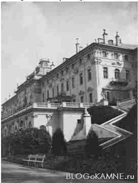 Западная лестница константиновского дворца
