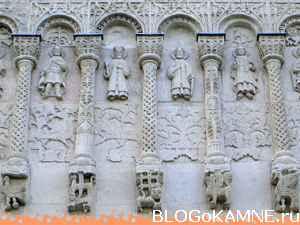 Дмитриевский собор. Резьба из известняка