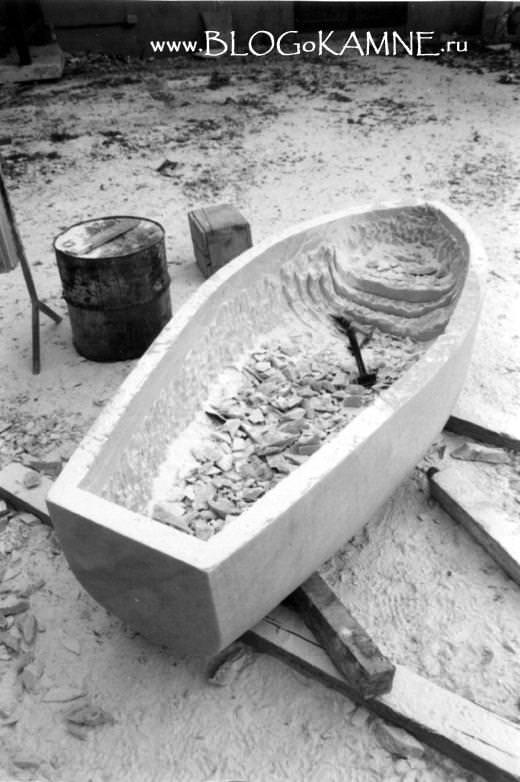 Фабио Виале каменная лодка