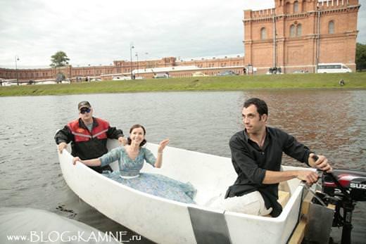 лодка из мрамора