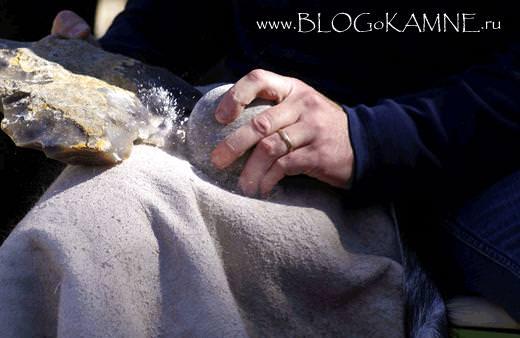 грубое каменное рубило