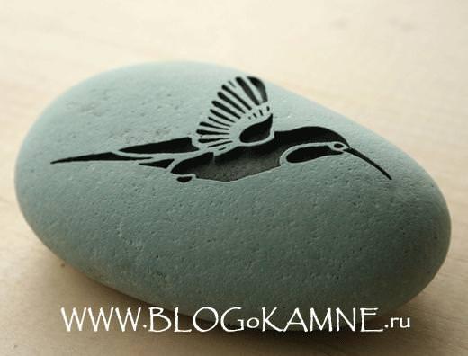 рисунки птиц на камне