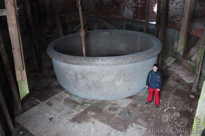 ванна из гранита