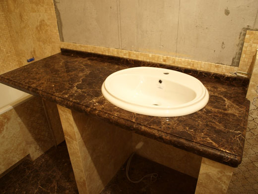 Столешница в ванную из мрамора