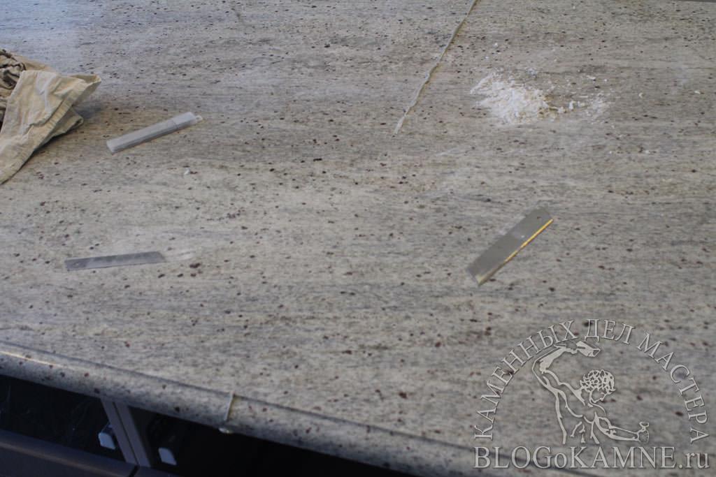 стык на каменной столешнице