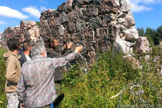 Заборы из расколотых камней